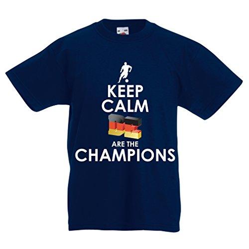Kinder Jungen/Mädchen T-Shirt Deutsche sind die Champions - Russland-Meisterschaft 2018, WM-Fußball, Team von Deutschland Fan-Shirt (5-6 Years Dunkelblau Mehrfarben)