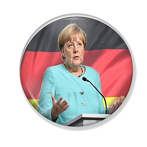 Gifts & Gadgets Co. Kühlschrankmagnet, Motiv Merkel auf Deutscher Flagge, klein, Bedruckt, rund, 38 mm (Hitler Kleine)