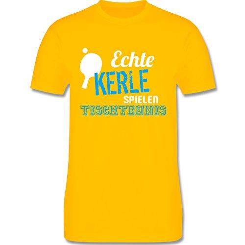 Sonstige Sportarten - Echte Kerle Spielen Tischtennis - L - Gelb - L190 - Herren T-Shirt Rundhals