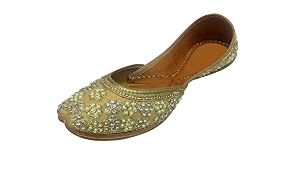 44ba8b65b059 Step n Style Punjabi Jutti Khussa Shoes Wedding Flat Indian Boho Shoes  Beaded Sandal  Buy Online at Low Prices in India - Amazon.in