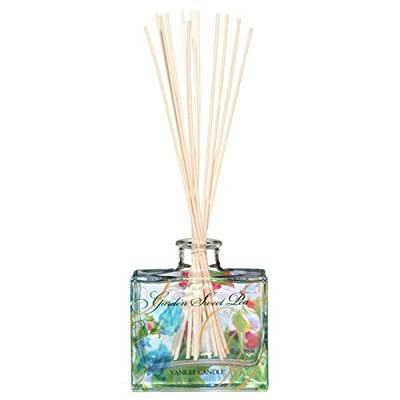 """Yankee Candle """"Garden Sweet Pea"""" Signature Reed Diffuser, Blue from Yankee Candle"""