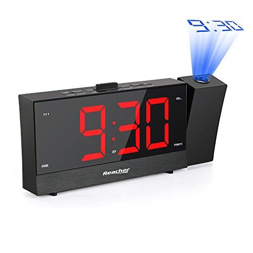 Radio Despertador Proyector, Reacher Reloj Despertador Digital con Cargador de teléfono dual, Snooze, Atenuador de brillo de rango completo, Alarmas Dobles, Pantalla LED grande de dígitos rojos, Negro