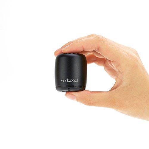Dodocool tragbarer Bluetooth-Mini-Lautsprecher, kabellos und wiederaufladbar,  Fernbedienung für Fotos und Selfies, Freisprechfunktion, Kompatibel mit den meisten Smartphones, Tablets, Computern oder anderen Geräten, Schwarz