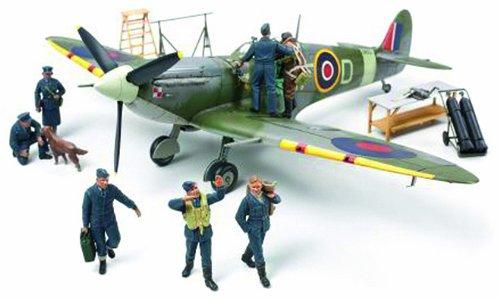 Tamiya 300089730 - Spitfire Royal-Air-Force (RAF) mit Besatzung, Militär-Flugzeug-Bausatz, 1:48
