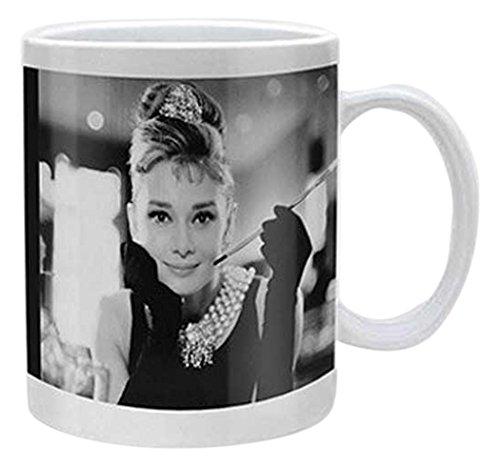 empireposter Audrey Hepburn Black and White - Keramik Tasse - Grösse Ø8,5 H9,5cm