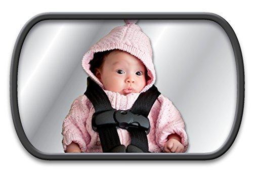 Specchietto retrovisore Lina M.®. per seggiolini auto e reboard. Vi consente di vedere il vostro bambino sul sedile posteriore ed è dotato di due possibilità di fissaggio (fissaggio al poggiatesta o al vetro posteriore). Dimensione dello specchietto: 155 x 95 mm. Specchietto retrovisore Lina M.® esclusivo su AMAZON