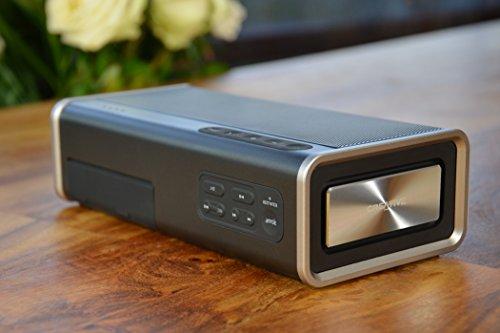 Creative iRoar Go Leistungsfähiger, wetterfester 5-Treiber Bluetooth Lautsprecher - schwarz
