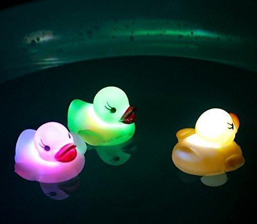 UChic 3 STÜCKE Led-Licht Float Wasser Schwimmen Kinder Spielen Mund Mini Kleine Gummiente Pädagogisches für Kinder Baby Badespielzeug Bei Farbe Nach Dem Zufall