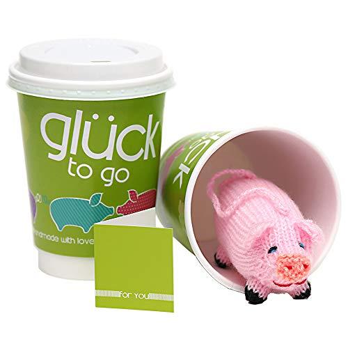 Monsterzeug Glücksschweinchen im Becher, Glück to go mit Stoffschweinchen, Glückskarte mit Schwein im Kaffeebecher