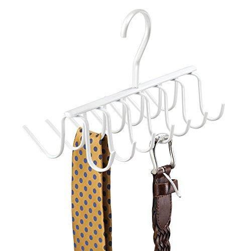 mDesign Práctica percha múltiple para colgar accesorios, cinturones, corbatas y más – Corbatero organizador de armarios con 14 ganchos – Organizador de ropa para colgar en el placard – Blanco