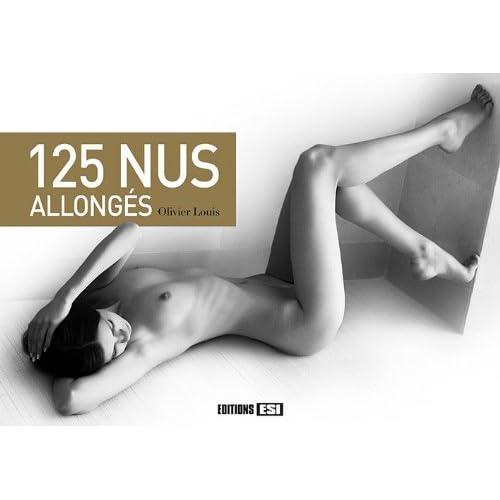 125 nus allongés