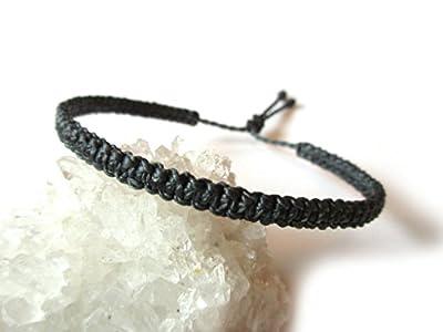 Bracelet brésilien/amitié/surf/en fil Gris foncé Anthracite tissé main en macramé forme plat avec du fil ciré et ajustable Réf.PP474