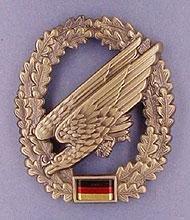BW Barettabzeichen Bundeswehr, verschiedene Truppengattungen Farbe Fallschirmjäger