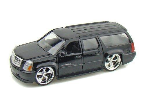 2007-cadillac-escalade-esv-1-32-black-jada-toys-diecast-by-cadillac