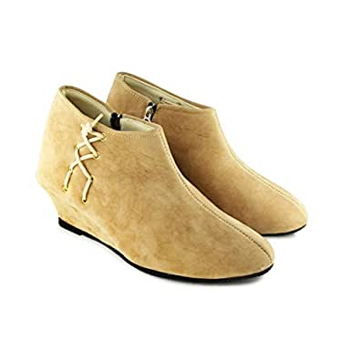 TEQTO Women's Beige Suede Ankle Boots {EU 37 / IND 4}