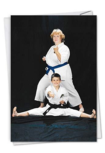 Karate Kid C7343BDG Geburtstagskarte mit Umschlag, 11,4 x 17,5 cm, Motiv: Showing a mom and son doing karate