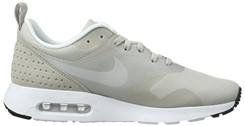 Nike Air Max Tavas, Chaussures de Sport Homme Gris (Lt Irn Or/White/Mtllc Slvr/Blk)