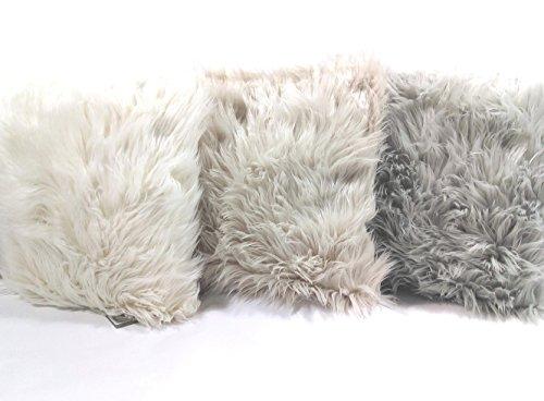 Exclusives Deko-Kissen in Schaffell-Optik (Rückseite Samt) 45x45 cm, grau