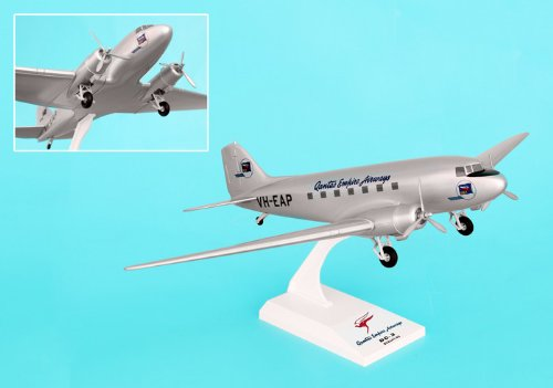 skymarks-skr639-qantas-empire-airways-douglas-dc3-180-with-gear-clip-together-model