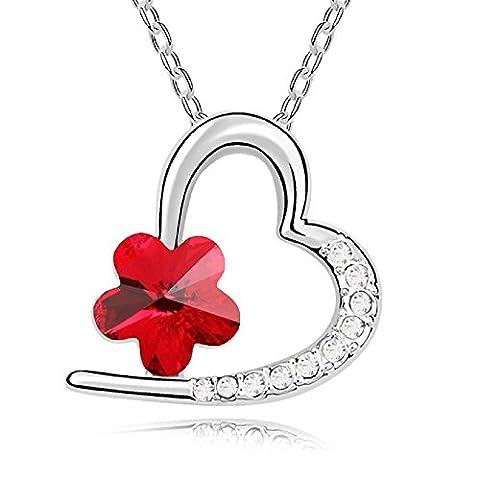 Saphira bijoux fantaisie. Pendentif forme coeur avec chaine collier argentée. Cristal autrichien Swarovski éléments rouge et petits cristaux blancs .