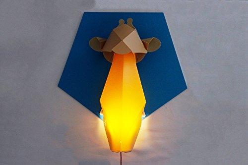 Lil Nika 05689–umu, jirafa Luz nocturna