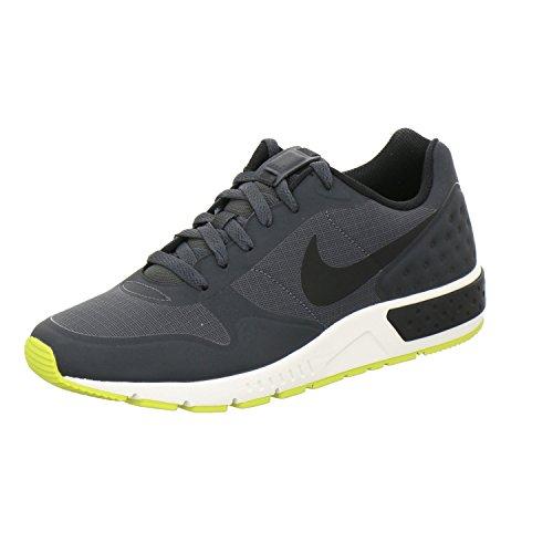 Nike 844879, Scarpe da Ginnastica Basse Uomo Anthrazit