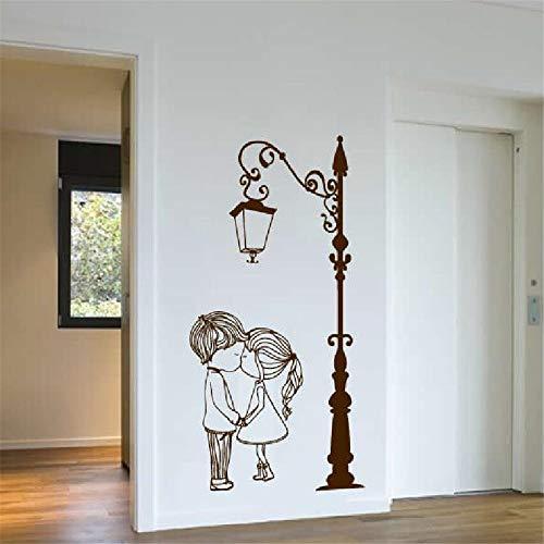 Wandtattoo Vinyl Kranker Straßenlaterne Post Licht mit Zwei Schöne Nette Jungen Und Mädchen Paar Wandkunst Wand Wohnzimmer Dekor 42 * 85 cm -