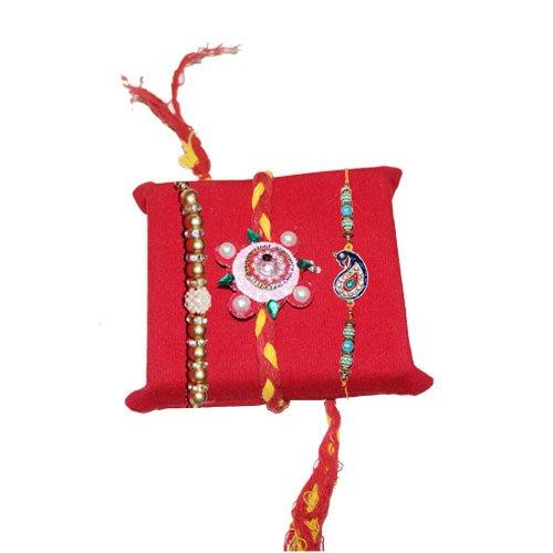mandala-creations-rakhi-lot-de-3-blanc-or-perle-concu-rakhi-avec-haldiram-soan-papdi