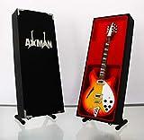 Miniatur Replica Gitarre: Tom Petty 12-saitigen Rickenbacker von Axman-Modell Mini Rock Kuriositäten Replica Holz Miniatur-Gitarre & Display Gratis Ständer (UK Verkäufer)