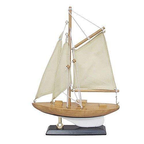 Kleine Segelyacht, America´s Cup Klasse, Modellboot mit Stoffsegel