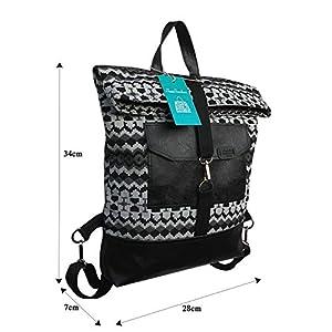 Damen FoldoverRucksack mit schwarz und weiß Muster.Rucksack aus öko-Leder und Leinen. Tasche mit rucksackfunktion…