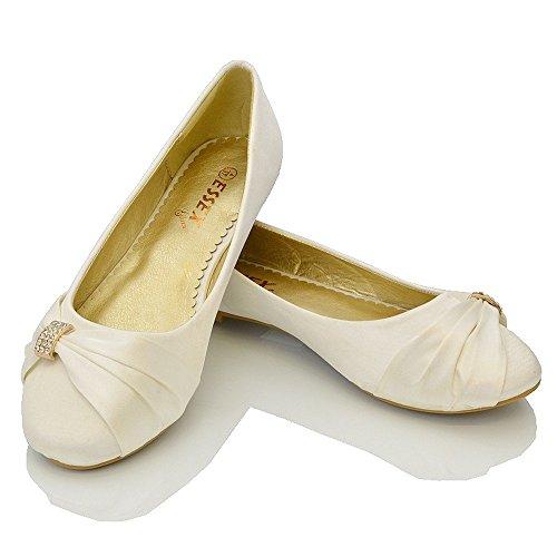 ESSEX GLAM Damen Brautschuhe Flach Satin Pumps Mit Brosche Hochzeit Schuhe (UK 9 / EU 42 / US 11, Elfenbein Satin) - 4