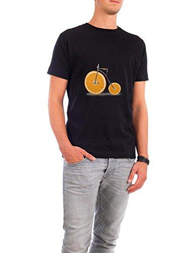 """Design T-Shirt Männer Continental Cotton """"Vitamin"""" - stylisches Shirt Sport Sport / Sommerspiele von Florent Bodart Schwarz"""
