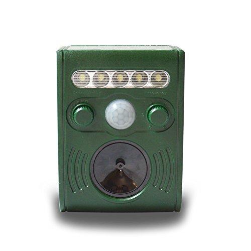 ultrasonic-animal-repeller-battery-operated-cat-repellent-pest-deterrent-scare-away-dog-cat-squirrel