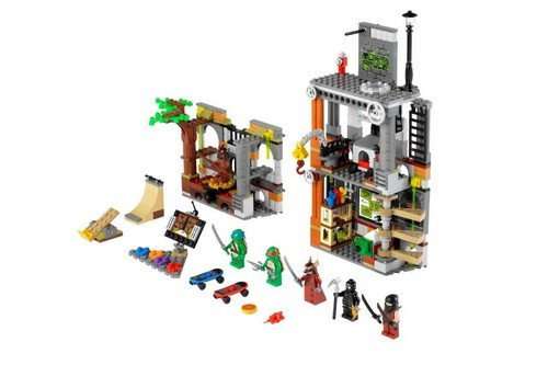 Preisvergleich Produktbild Lego Teenage Mutant Ninja Turtles 79103 - Turtles Hauptquartier