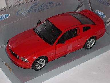 ford-mustang-gt-v-rot-2005-2009-1-24-welly-modell-auto-mit-individiuellem-wunschkennzeichen