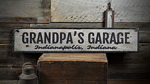 LynnYo22 Holzschild für die Garage mit Opa, personalisierbar, für den Geschäftsstandort, den Stadtstaat, Mann, Höhlendekoration, rustikal, handgefertigt, 5,5 x 24 cm