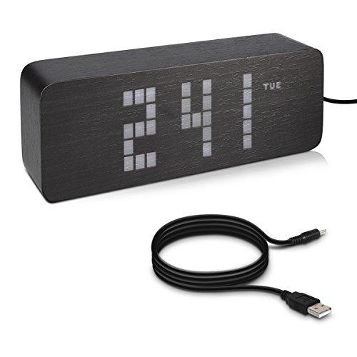 kwmobile Retro LED Digitalwecker mit Holzoptik - Temperatur Tagesanzeige 3 Alarm Weckzeiten - Nachttisch Tischuhr dimmbar - Schwarz mit weißen LEDs