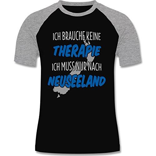 Shirtracer Länder - Ich Brauche Keine Therapie Ich muss Nur Nach Neuseeland - Herren Baseball Shirt Schwarz/Grau Meliert