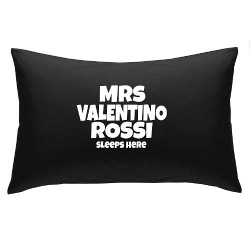 mrs-de-valentino-rossi-duerme-aqui-almohada-de-regalo