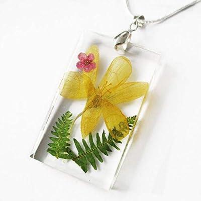 Pendentif Victoria en résine et fleurs - Bijou nature fleru jaune et feuille de bruyère - Collier en fleurs séchées colorées