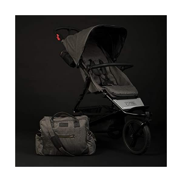 Mountain Buggy Model: Urban Jungle Luxury Collection Herringbone Including Changing Bag and Baby seat (carrycot Plus) Mountain Buggy Box contents: 1 Mountain Buggy Urban Jungle Luxury Collection Herringbone including changing bag and baby seat (carrycot plus) Product weight: 11.5 kg Seat load: 25 kg 9