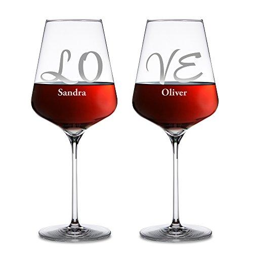 AMAVEL - Lot de 2 verres à vin rouge personnalisés avec [NOMS] - Gravure individuelle - LOVE - Cadeau pour couple – Idée cadeau de mariage - Cadeau romantique de Saint Valentin - Cadeau de Noël pour homme et femme