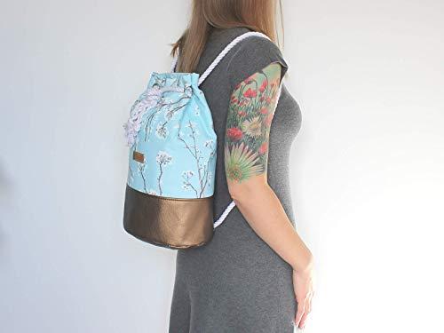 Blauer Rucksack mit goldenem Boden. Canvas Seesack mit Kirschblüten - 6