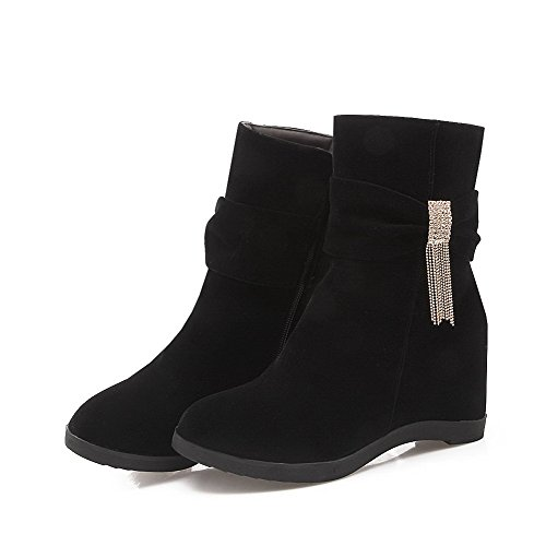 AllhqFashion Damen Hoher Absatz Niedrig-Spitze Eingelegt Reißverschluss Stiefel mit Anhänger Schwarz
