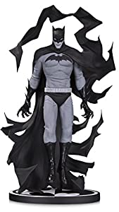 DC Collectibles MAY179006 - Estatua de Resina, diseño de Batman de Cloonan, Color Negro y Blanco, 17,78 cm