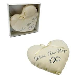 kissen in herzform with this ring hochzeitsringe cremefarben k che haushalt. Black Bedroom Furniture Sets. Home Design Ideas