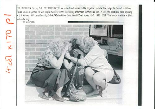 Fotomax Vintage Photo of USA Texas Massacre: The anquish of The Killeen Slaughter on The Street.