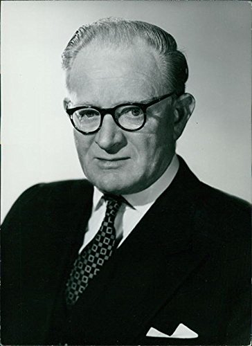 vintage-photo-of-portrait-of-patrick-hennessy