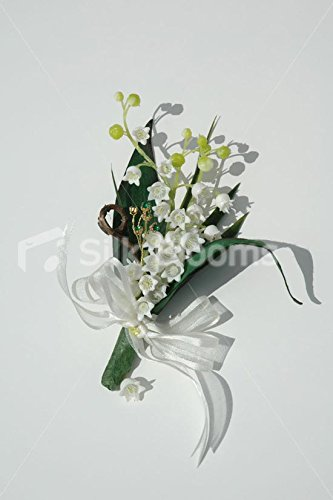 modernstunning-wedding-corsage-with-white-lily-of-the-valley